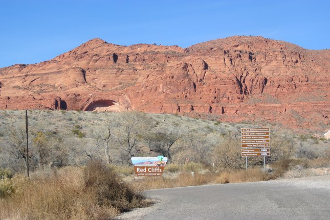 Entering the Red Cliffs National Park